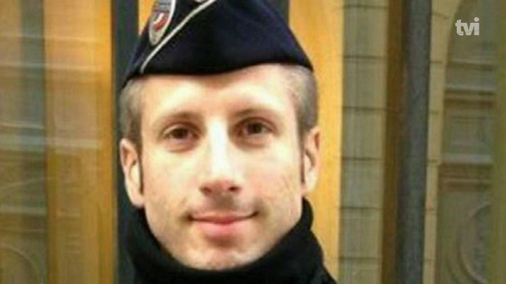 Polícia morto em Paris estava de serviço no Bataclan em 2015