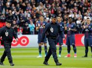 PSG homenageia policias (Reuters)