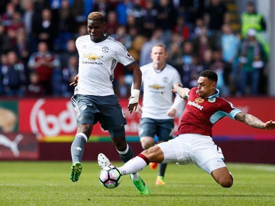 Mourinho vence em Burnley e Liverpool perde em casa com o Palace