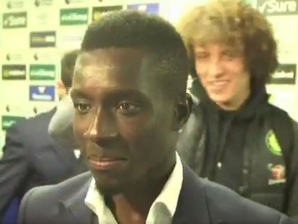 Idrissa Gueye e David Luiz (youtube)