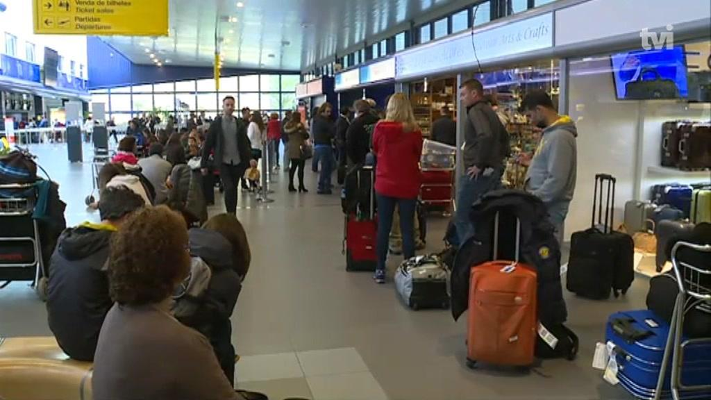 Greve na SATA: 2700 passageiros em terra