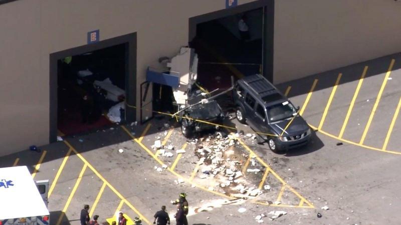 Vários mortos e feridos em acidente com carro perto de Boston