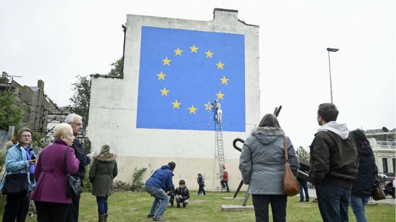 Brexit inspira artista a criar graffiti
