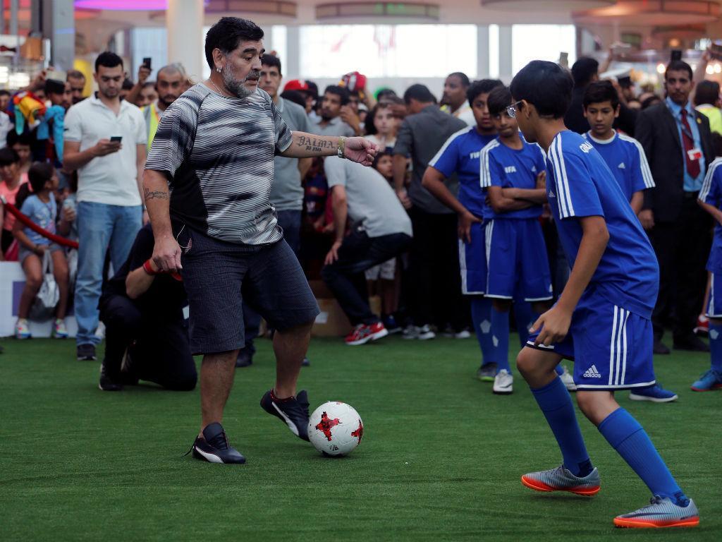 Ronaldinho, Maradona e Valderrama juntos no Dubai (Reuters)