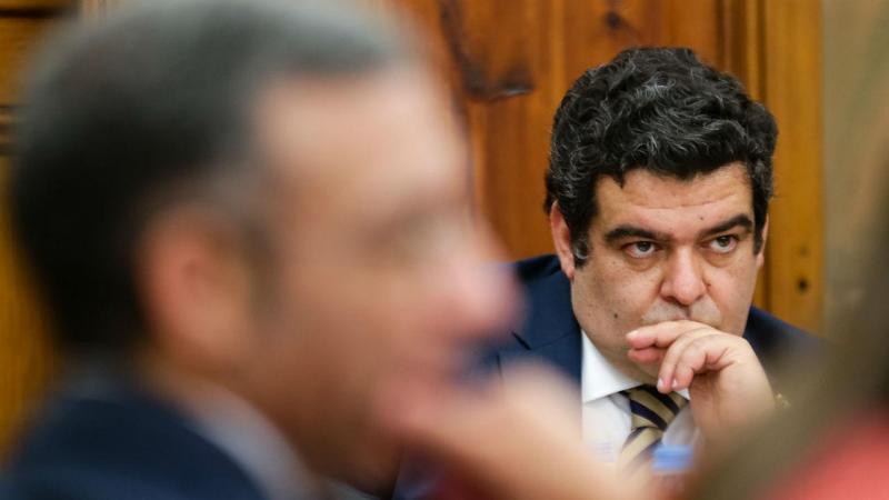 Ex-secretários de Estado já estão sentados no Parlamento