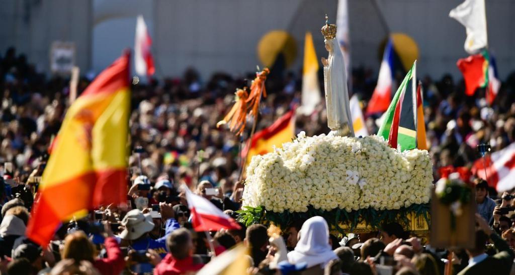 Milhares de pessoas no segundo dia do Papa em Fátima