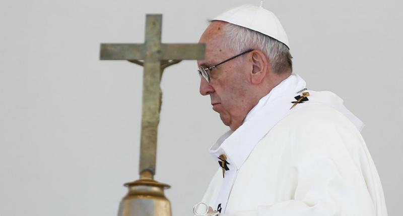 Papa na Santa Missa no recinto do Santuário