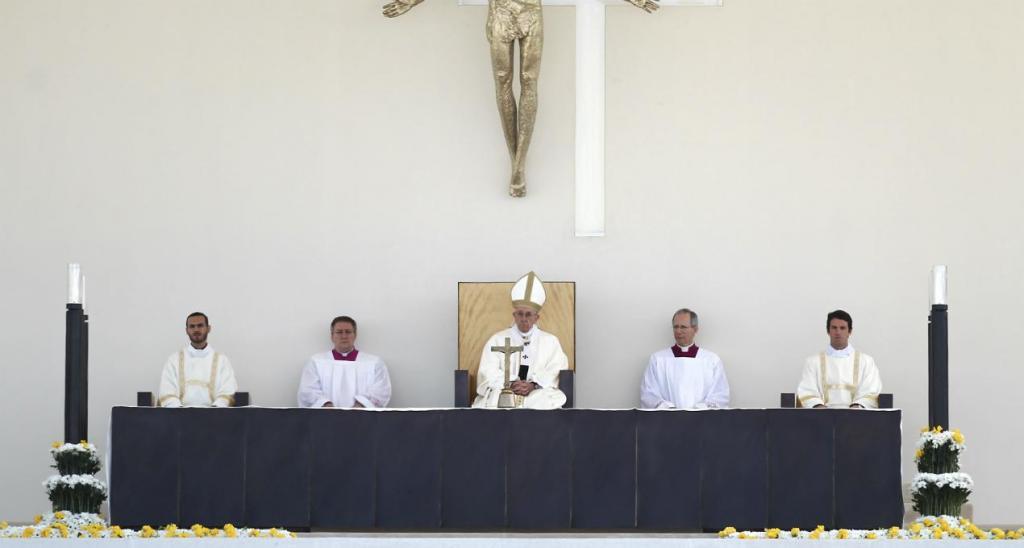 Papa declara Francisco e Jacinta santos