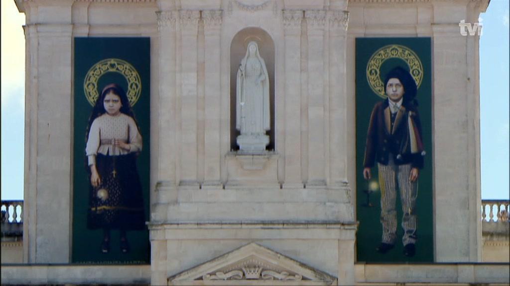Os santos Jacinta e Francisco