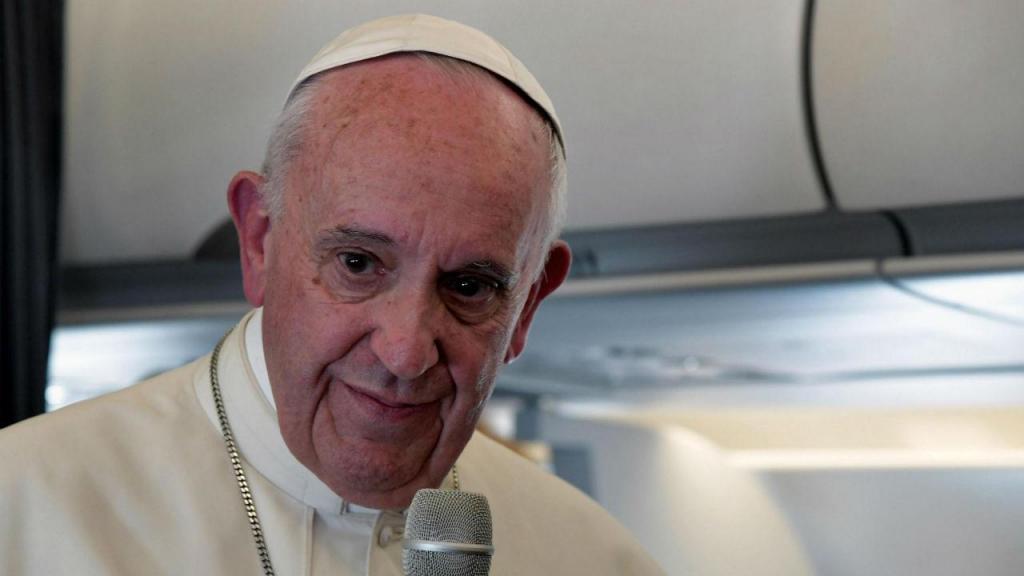Papa Francisco no avião da TAP