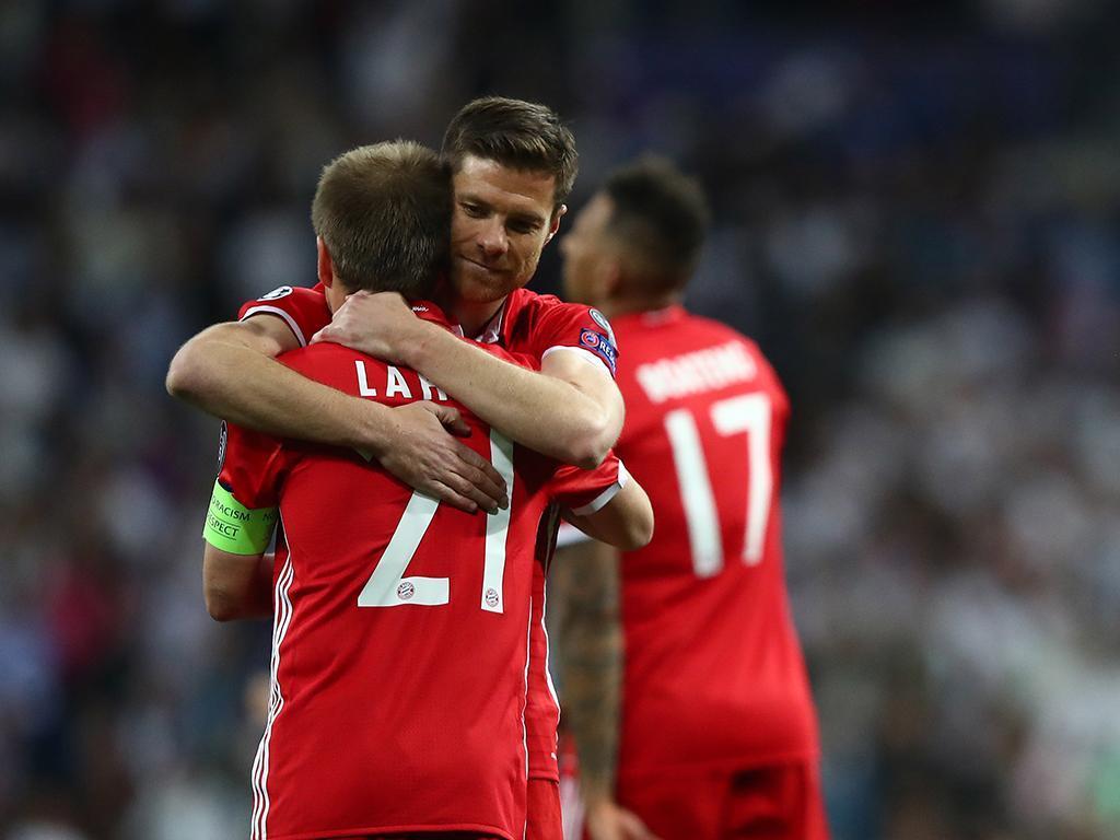 Xabi Alonso e Philipp Lahm (Reuters)