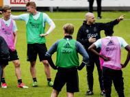Liga Europa: descontração no «open day» do Ajax antes da final