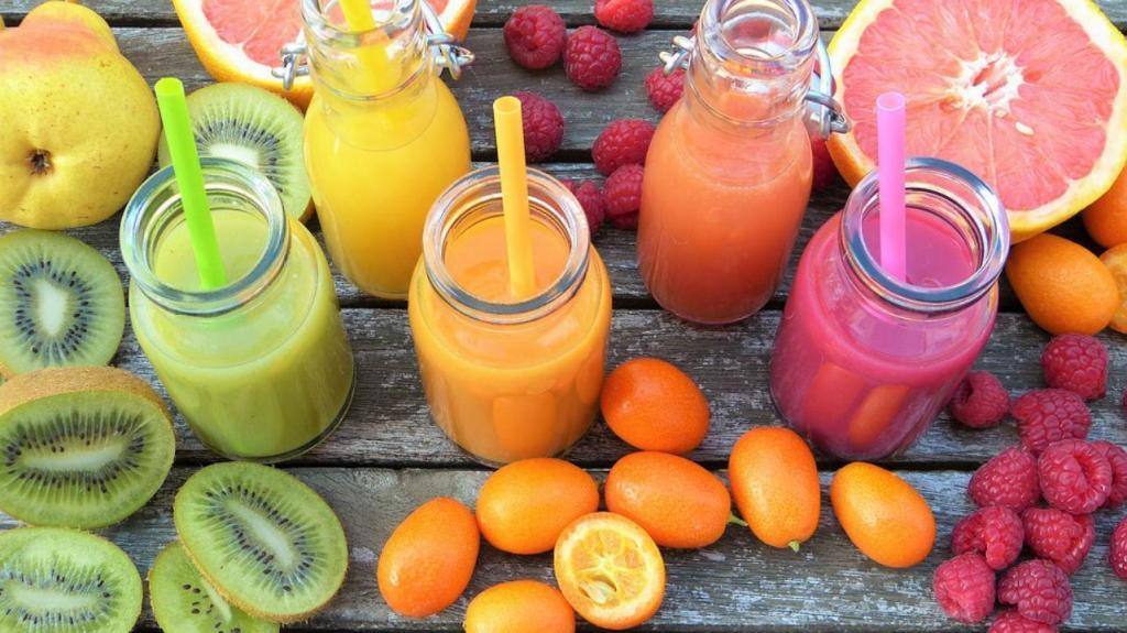 Crianças com menos de um ano não devem ingerir sumo de frutas