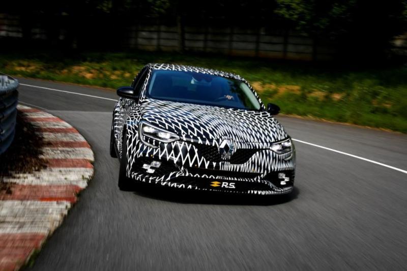 Novo Renault Mégane R.S. apresenta-se ao serviço no Mónaco!