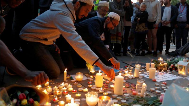As homenagens às vítimas do ataque de Manchester que vitimou 22 pessoas