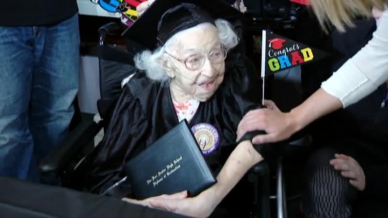 Idosa concluiu ensino secundário com 105 anos