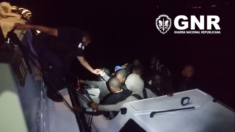 GNR resgata migrantes à deriva no mar Egeu