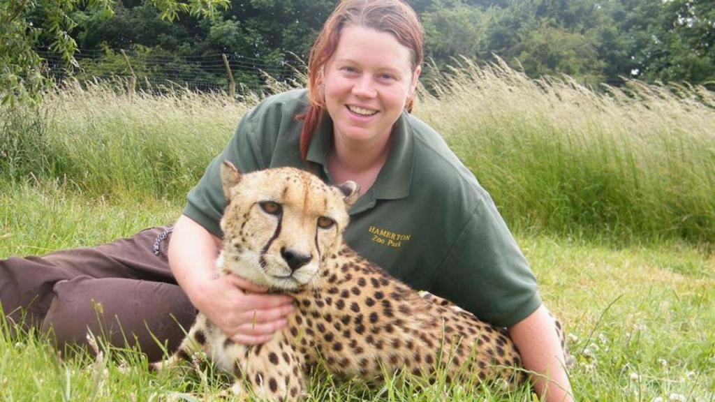 Identificada tratadora morta por tigre no Reino Unido