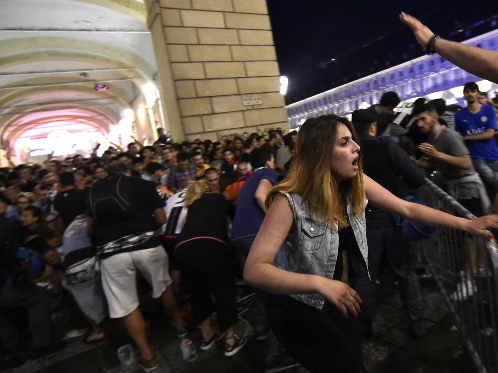 Pânico em Turim (REUTERS/Giorgio Perottino)
