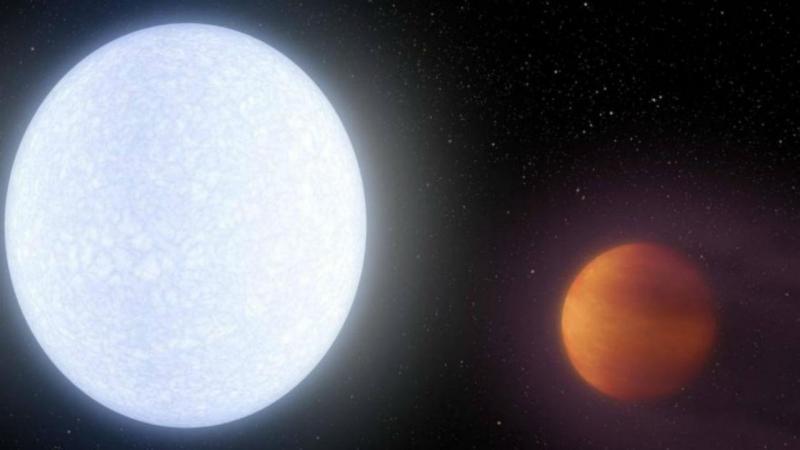 Ilustração mostra o exoplaneta KELT-9b (em primeiro plano) a orbitar a estrela KELT-9