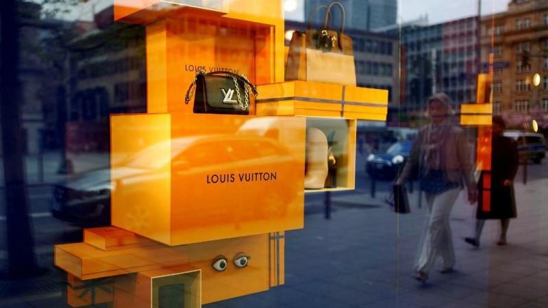 Montra - Louis Vuitton