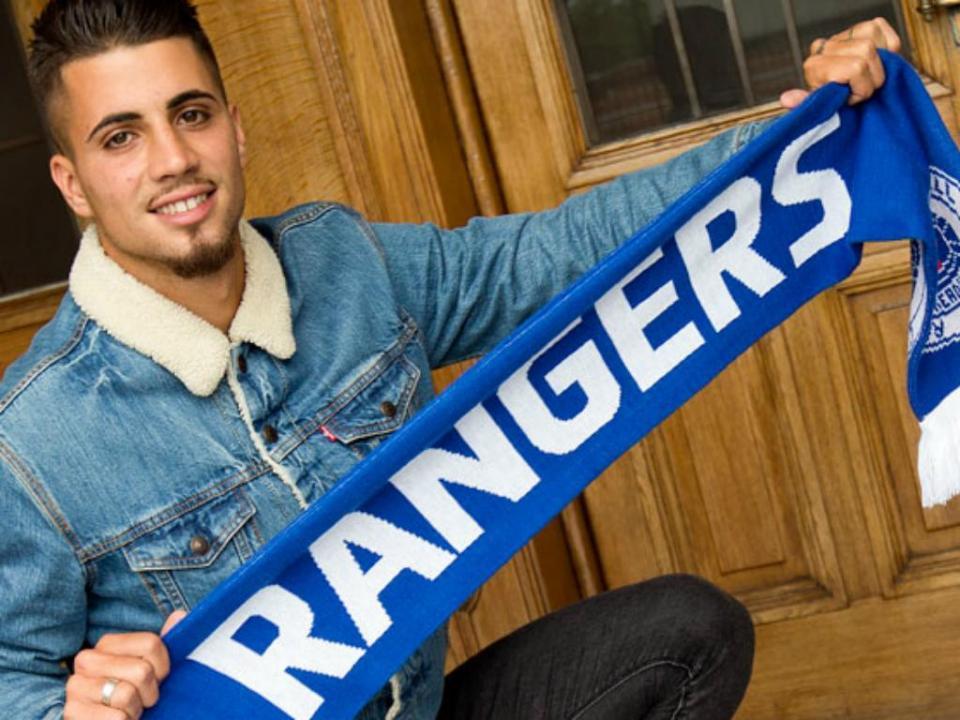 OFICIAL: Fábio Cardoso três anos no Rangers