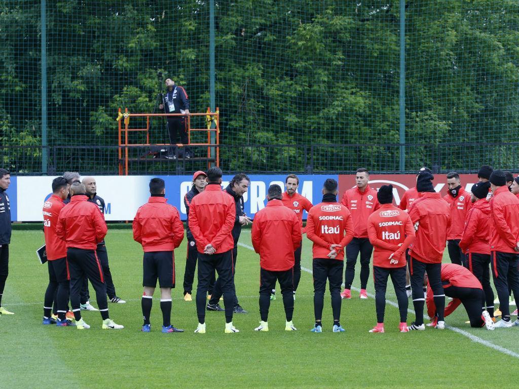 Chile prepara estreia nas Confederações