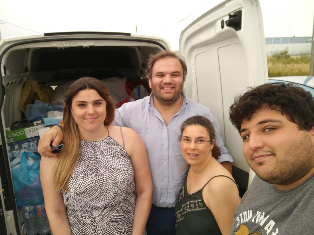 Em Aveiro, António recebeu os mantimentos junto à saída para a A1