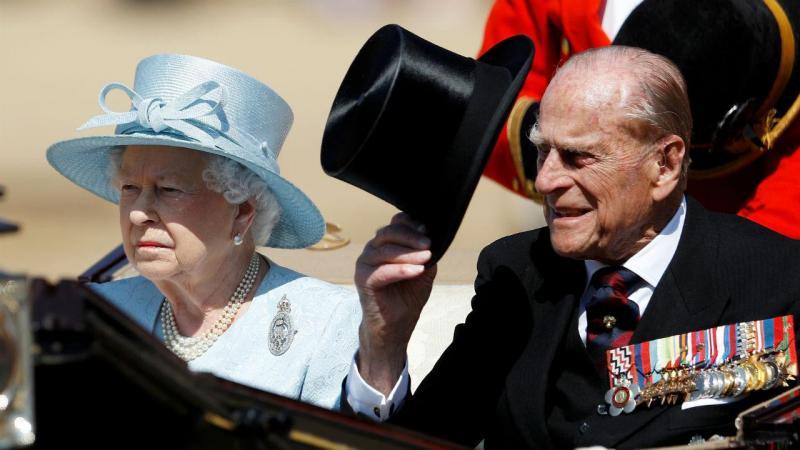 Príncipe Filipe com a esposa, Rainha Isabel II