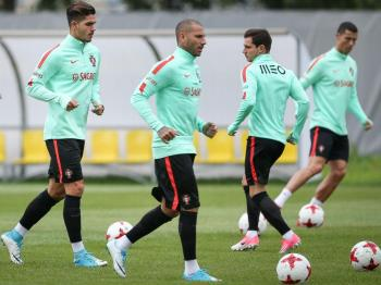 Seleção: Cédric regressou aos treinos, Bernardo e Raphael não