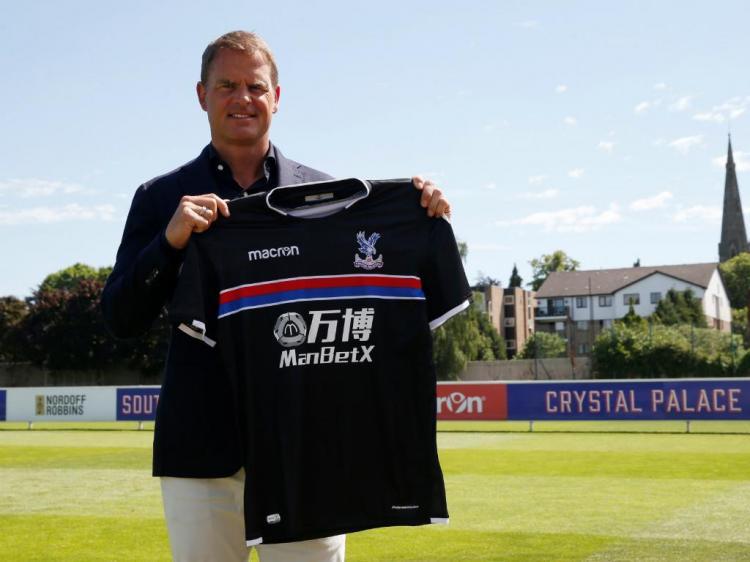 De Boer apresentado no Crystal Palace