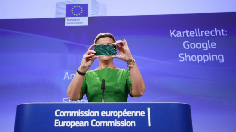 Margrethe Vestager no anúncio da multa à Google