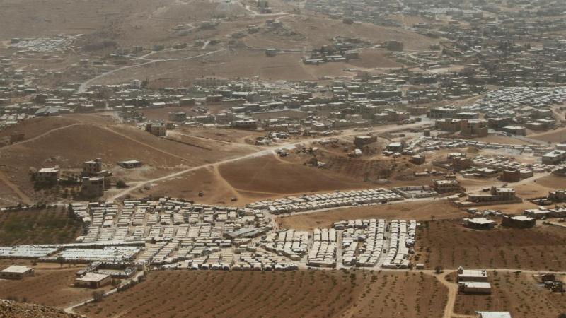 Campo de refugiados sírios em Arsal, Líbano, na fronteira com a Síria