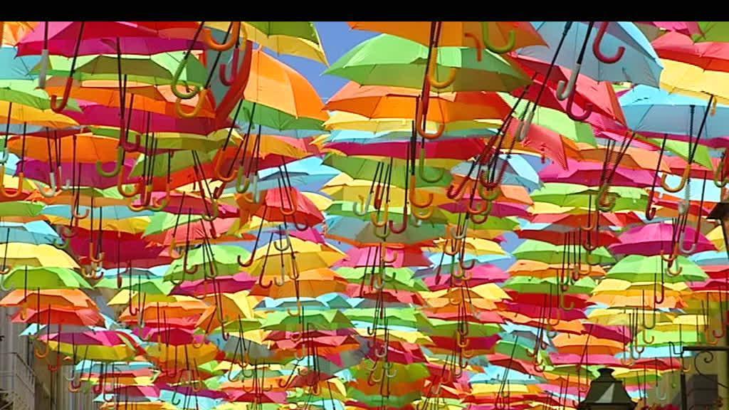 Um festival que enche de cor as ruas de Águeda