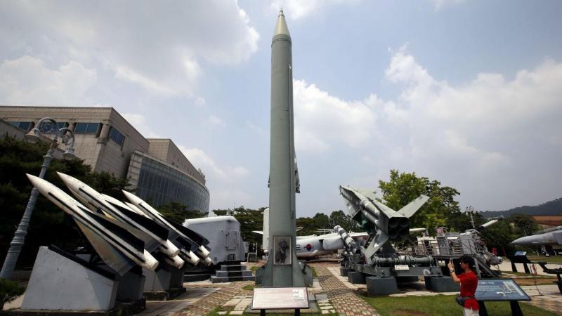 Coreia do Norte faz lançamento de mais um míssil (arquivo)