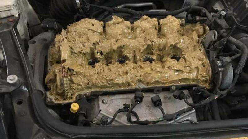 Colocou detergente dentro do motor… este foi o resultado