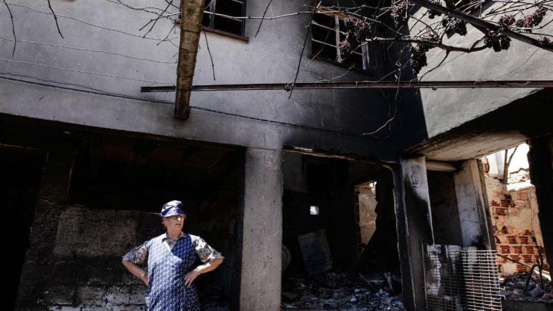 Um mês depois dos trágicos incêndios