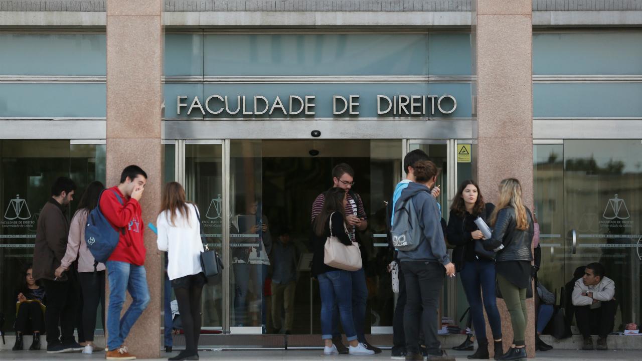 Universidade de Lisboa - Faculdade de Direito