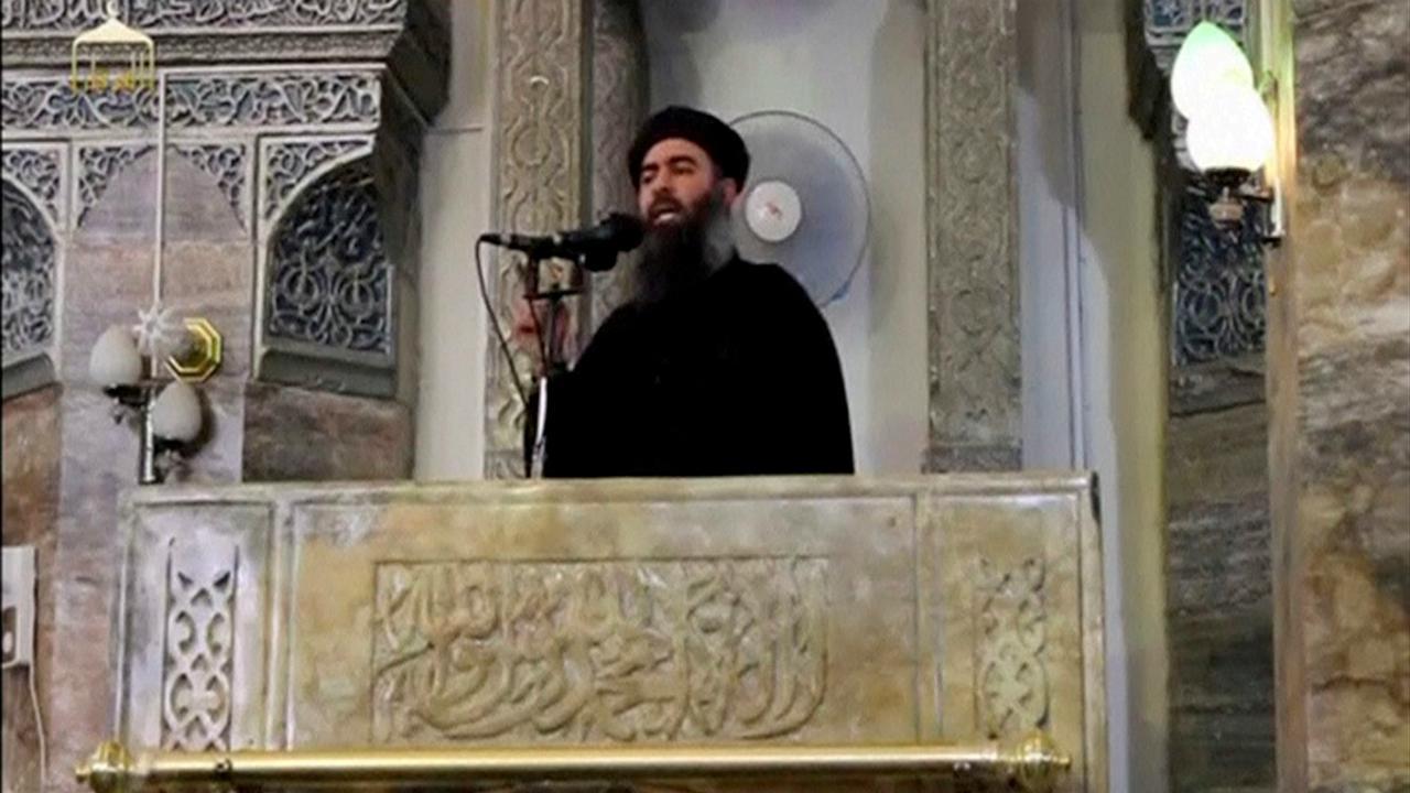 AbuBakr al-Baghdadi (imagem retirada de vídeo que se presume ser do líder do Estado Islâmico)