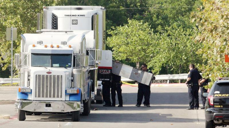 Camião transportava dezenas de imigrantes ilegais nos EUA
