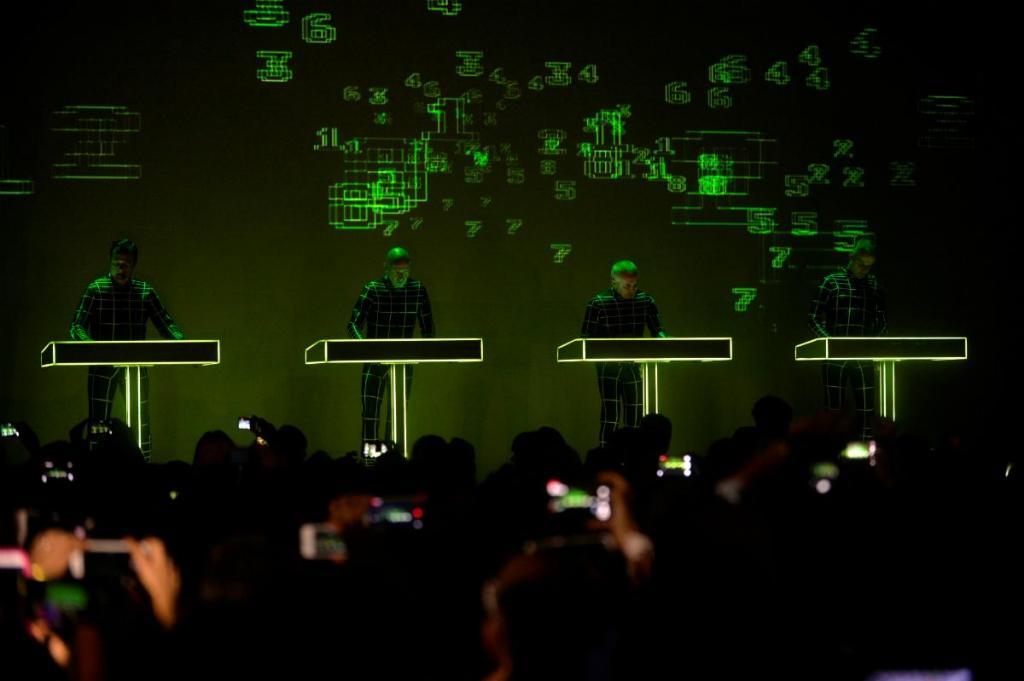 Kraftwerk apresentam o seu espetáculo 3D no NEOPOP no dia 5 de agosto