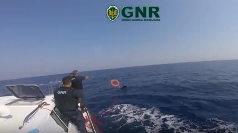 GNR salva migrantes no mar Egeu