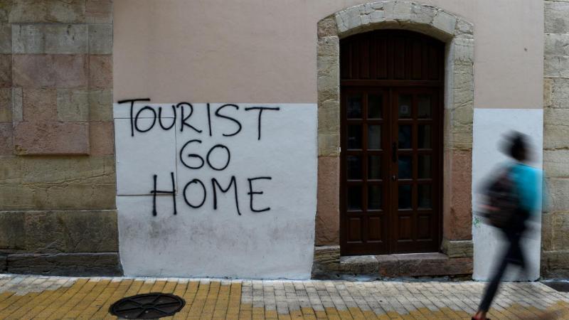 Movimentos contra o turismo em Espanha