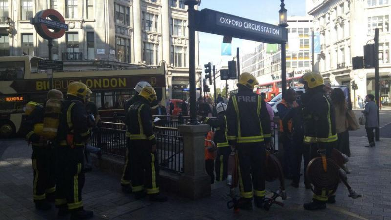 Estação de metro de Oxford Circus evacuada devido a incêndio