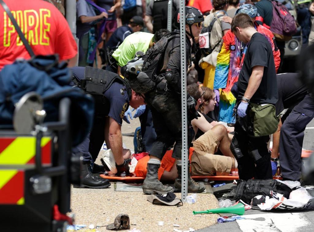 Uma pessoa morreu e 19 ficaram feridas durante uma manifestação contra a alt-right nos Estados Unidos