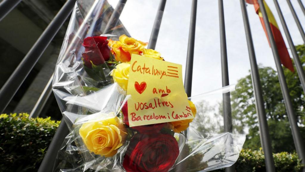 Embaixada espanhola na Alemanha durante o minuto de silêncio