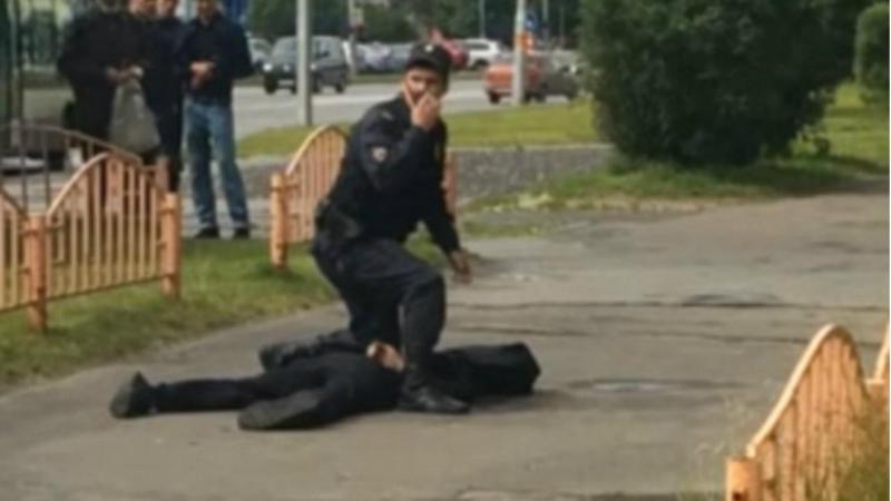 Polícia abate suspeito que esfaqueou oito pessoas