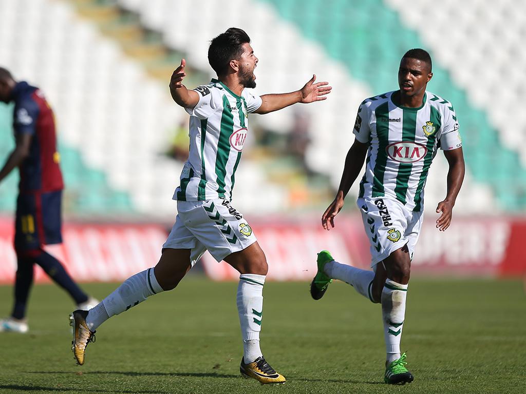 João Amaral: um dos jogadores que se afirmou entre os grandes depois de ter sido contratado a um clube do CP
