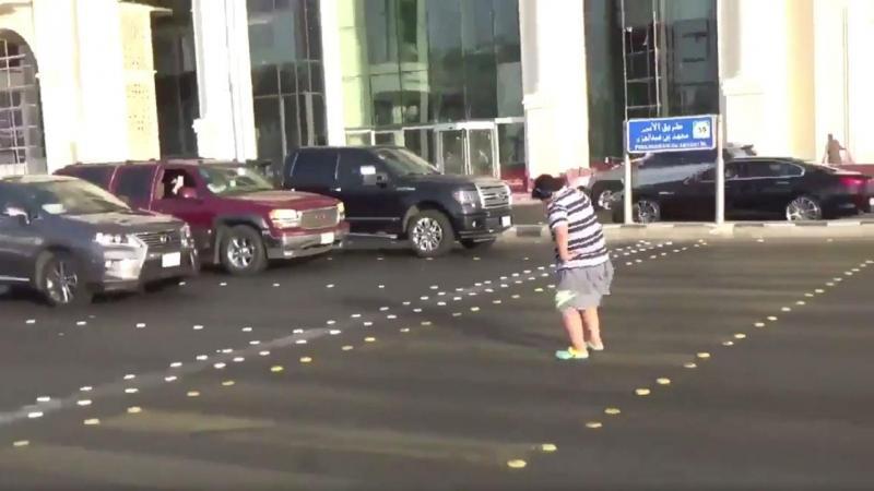 Rapaz preso por dançar Macarena num sinal de trânsito da Arábia Saudita