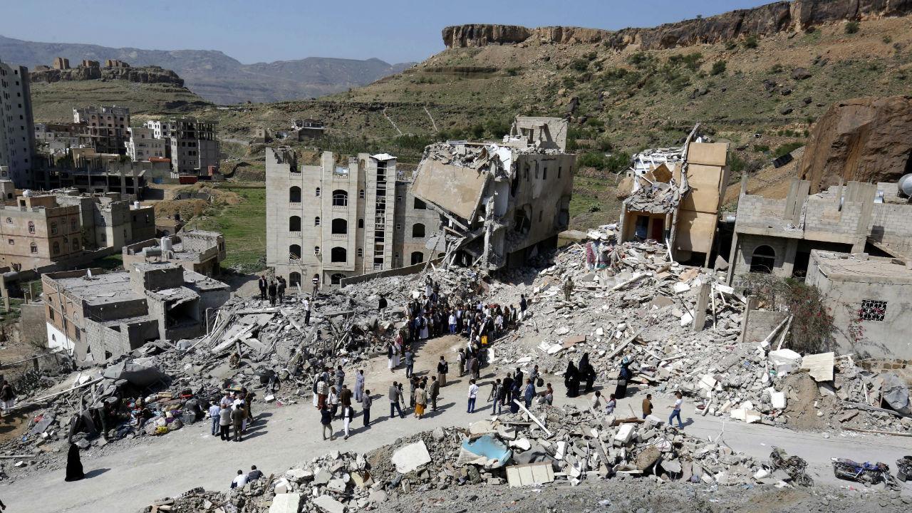 Bombardeamento mata família no Iémen